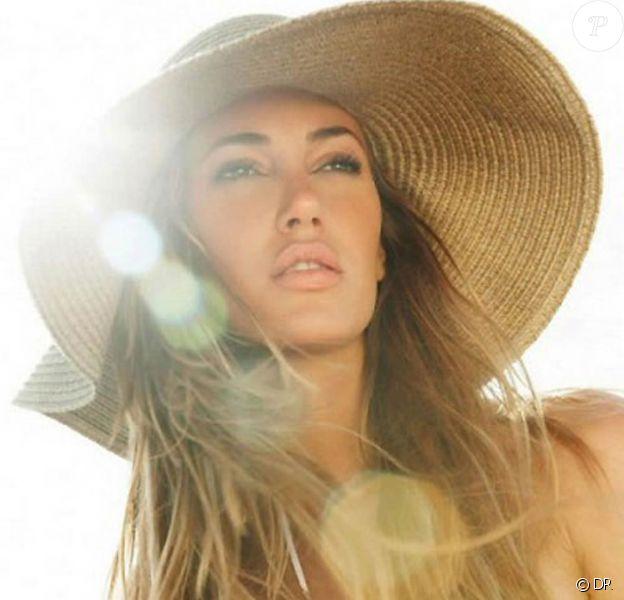 Bianca Klamt Motta pour la marque de lingerie brésilienne Morena Rosa.