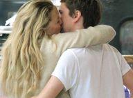 Quand Kate Hudson offre un baiser passionné à Matthew Bellamy de Muse... au supermarché !