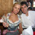 """""""Jose Ernesto Sosa et sa chérie profitaient des joies de l'Oktoberfest en 2009. En 2010, faute de bons résultats, les stars du Bayern sont privées de bière et de culotte folklorique !"""""""
