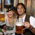 """""""Luca Toni et sa compagne profitaient des joies de l'Oktoberfest en 2009. En 2010, faute de bons résultats, les stars du Bayern sont privées de bière et de culotte folklorique !"""""""