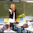 Lecture de la dictée d'ELA à l'école Blanche de Castille à Paris, le 18 octobre 2010 : Najoua Belyzel