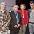 Julian Schwarz, Claude Aiello, Liliane Bettencourt et Mathieu Lehanneur lors de la remise du prix de l'Intelligence de la main à Paris au musée du quai Branly le 18 octobre 2010