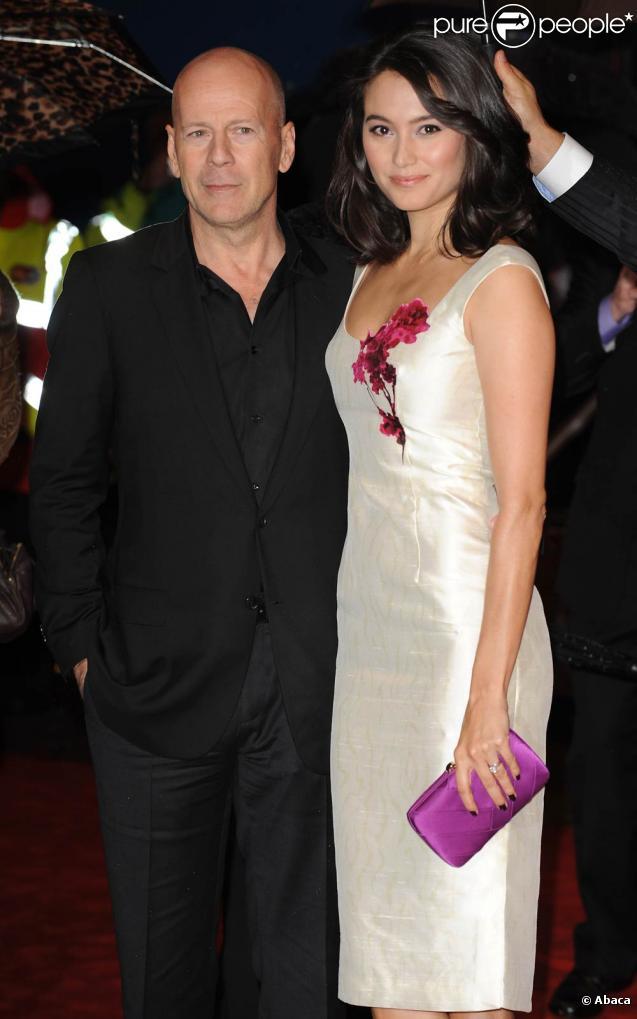 Bruce Willis et sa femme Emma Heming lors de la première du film RED à Londres, le 19 octobre 2010