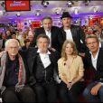 Michel Drucker, Christopher Stills, Bertrand Tavernier, Eddy Mitchell, Mélanie Thierry et Lambert Wilson sur le plateau de l'émission Vivement Dimanche diffusée le 24 octobre 2010.