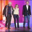 Bertrand Tavernier, Mélanie Thierry et Lambert Wilson à l'enregistrement de l'émission Vivement Dimanche, diffusée le 24 octobre 2010.