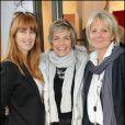 Sophie Delon, Véronique Jannot et Sophie Descombin-Litras lors du vernissage de la galerie Caplain-Matignon à Paris le 21 octobre 2010