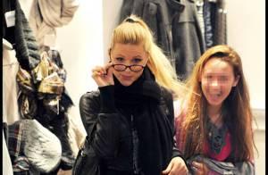 Michelle Hunziker et sa fille Aurora, très complices... en virée shopping !