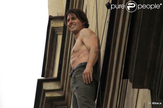 Tom Cruise tourne  Mission Impossible 4 : Le Protocole Fantôme , en octobre 2010.