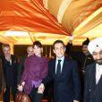 Carla Bruni et Nicolas Sarkozy après une parenthèse romantique notamment consacrée au Taj Mahal privatisé pour eux, arrivent à New Delhi. Le 5 décembre 2010