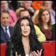 Enregistrement de  Vivement Dimanche  (le 15 décembre 2010) spécial Pierre Cardin. Diffusion le 19 décembre 2010 : Cher