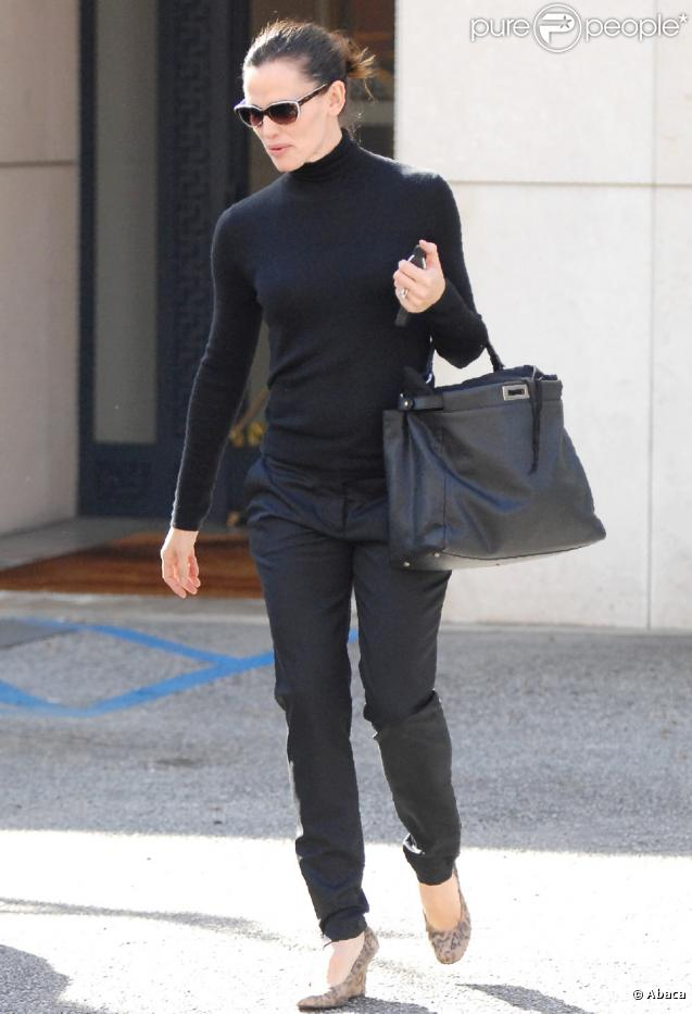 Jennifer Garner à Beverly Hills et sort de chez Hermès (24 décembre 2010)