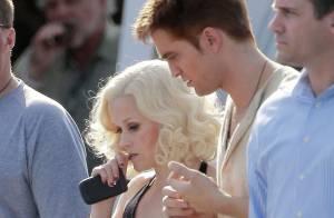 Robert Pattinson, bien amoché aux côtés de Reese Witherspoon...
