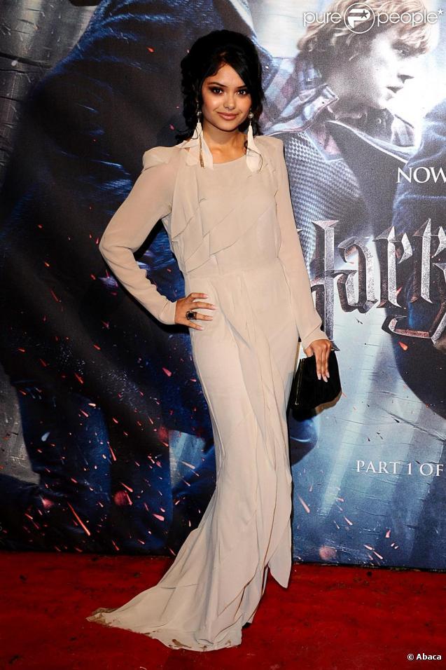 Afshan Azad, alias Padma Patil de Harry Potter, lors de l'avant-première des Reliques de la mort à Londres le 11 novembre 2010