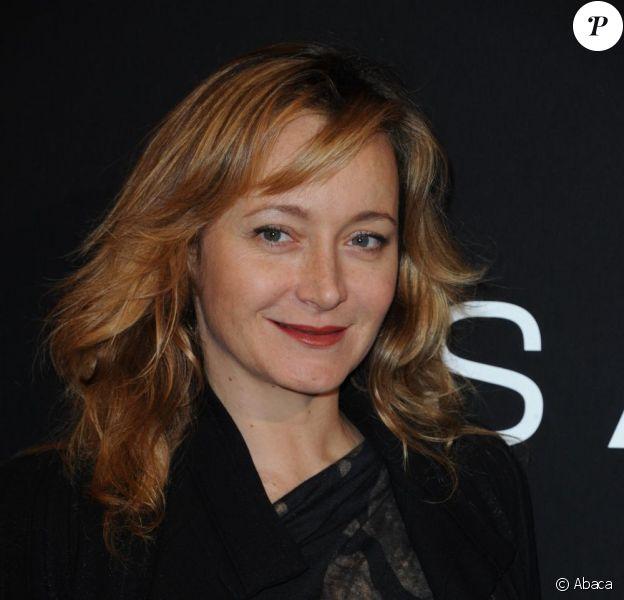 Julie Ferrier au défilé Haute Couture printemps-été 2011 durant la Fashion Week parisienne, le 26 janvier 2011.