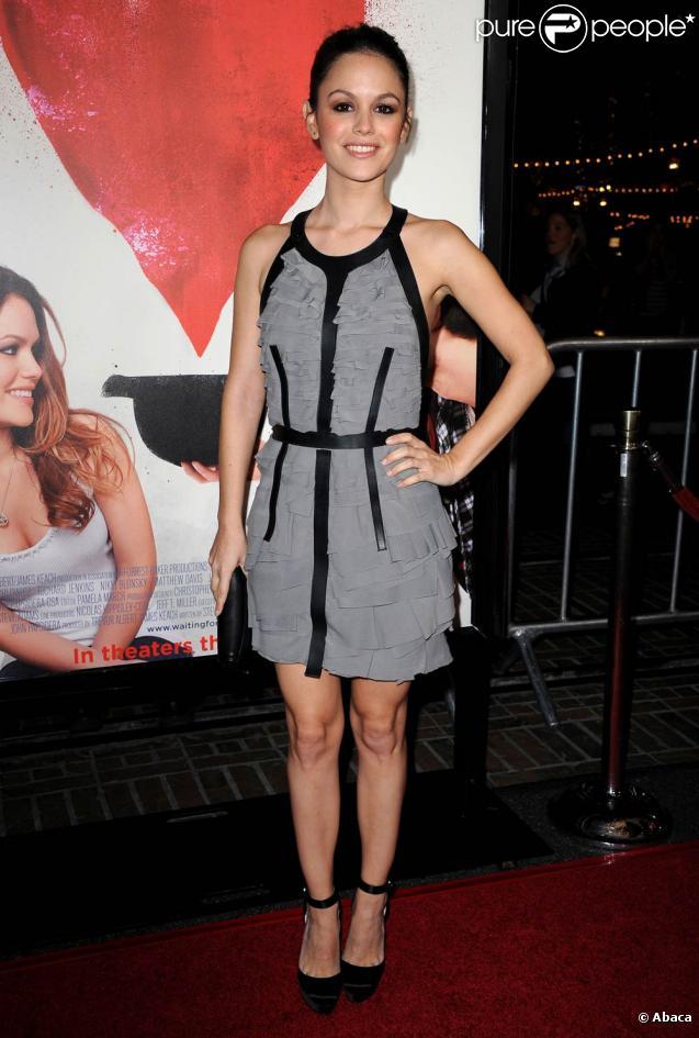 Rachel Bilson à l'occasion de l'avant-première de  Waiting for Forever , danq l'enceinte de The Grove, à Los Angeles, le 1er février 2011.