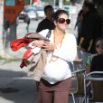Orly Marley enceinte se promène à Los Angeles en janvier 2011