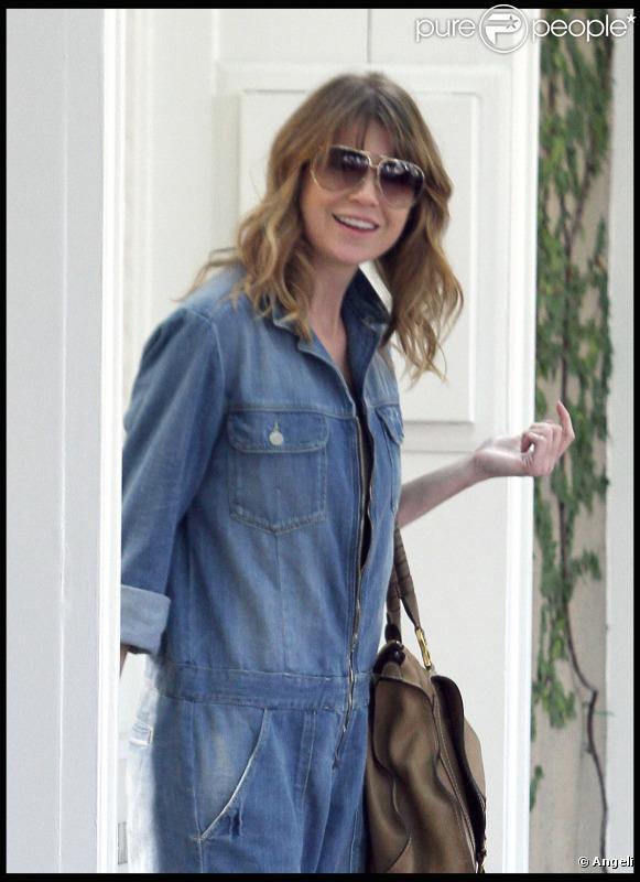 Ellen Pompeo sort d'un institut John Frieda et son mari vient la chercher (1er février 2011 à Los Angeles)