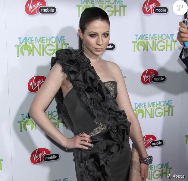 Michelle Trachtenberg assiste à l'avant-première du film Take me home tonight, mercredi 2 mars à Los Angeles.