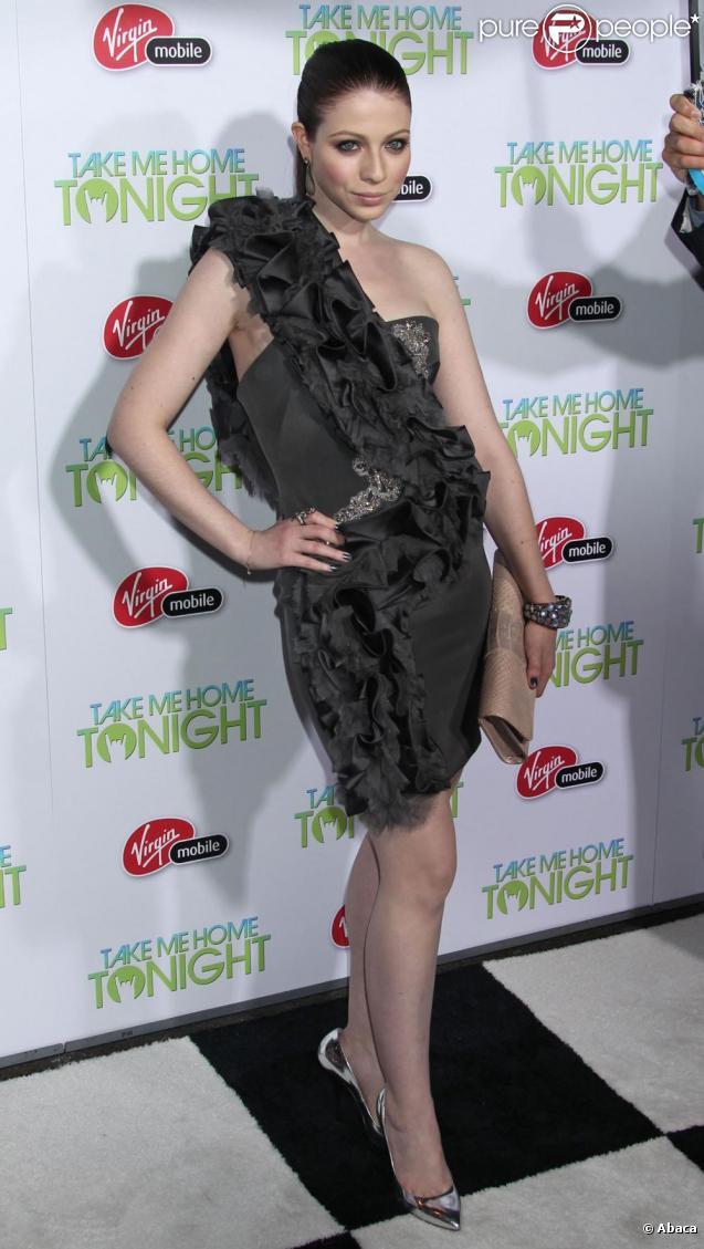 Michelle Trachtenberg assiste à l'avant-première du film  Take me home tonight , mercredi 2 mars à Los Angeles.