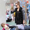 Jessica Alba, son mari Cash Warren et leur fille Honor Marie à NYC (6 mars 2011)