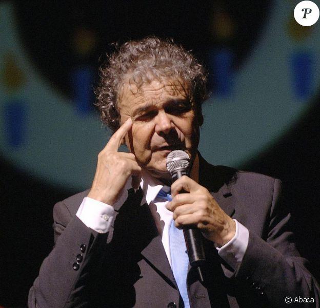 """Pierre Perret a porté plainte pour """"diffamation et injures"""" à l'encontre du Nouvel Obs. Procès les 22 et 23 mars 2011."""