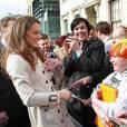 Kate Middleton et le prince William étaient en visite à Belfast le 8 mars 2011, où ils ont notamment démontré leurs aptitudes pour le lancer de crêpe et le planter de poteau.