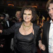 Claudia Cardinale, JM Jarre et P. Cardin brillent au plus beau des bals masqués!