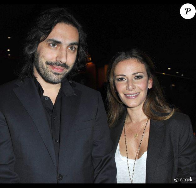 Elsa Fayer et son chéri à la conférence de presse du Sidaction (9 mars 2011)