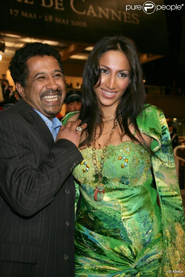 http://static1.purepeople.com/articles/1/76/74/1/@/585913-khaled-et-son-epouse-samira-mere-de-637x0-1.jpg