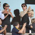 Tom Cruise et Victoria Beckham soutiennent David Beckham lors d'un match des LA Galaxy, en juillet 2009.