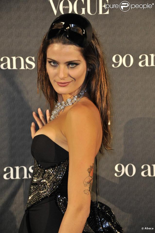 Isabeli Fontana - Images Gallery