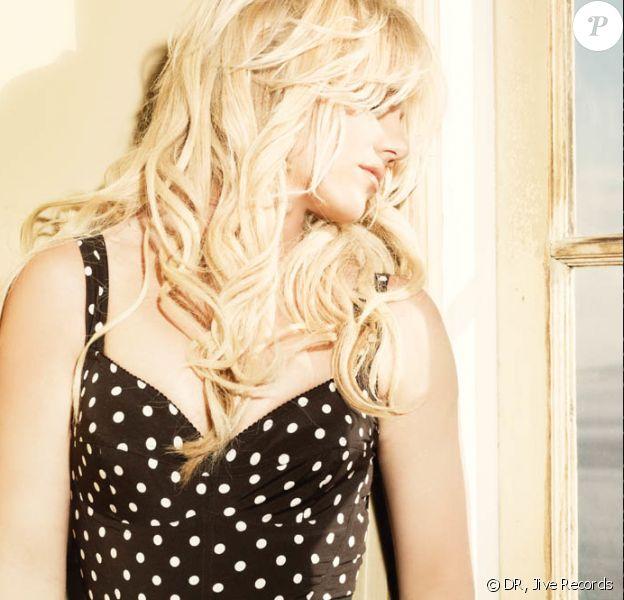 Britney Spears pose pour la promo de l'album Femme Fatale.