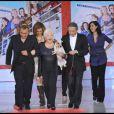 Le  casting du film invité à Vivement Dimanche pour la promotion du film La Croisière, diffusé le 6 avril 2011 (diffusé le 10 avril 2011)