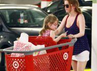 Isla Fisher : Courses entre filles avec sa petite Olive à lunettes !