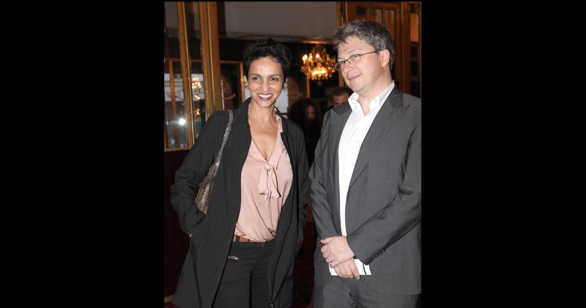 farida khelfa et son mari henri seydoux lors du spectacle de j r me commandeur au casino de. Black Bedroom Furniture Sets. Home Design Ideas