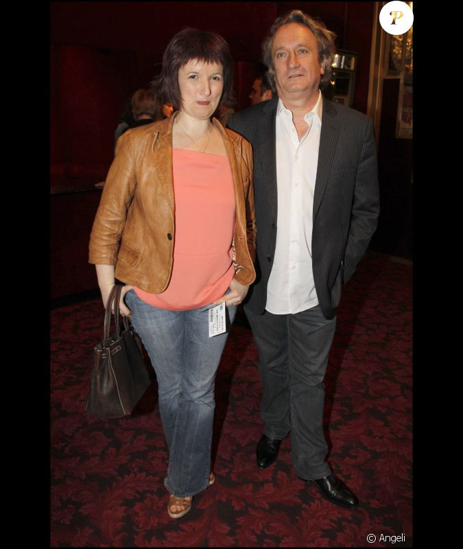 anne roumanoff et son mari lors du spectacle de j r me commandeur au casino de paris le 9 avril. Black Bedroom Furniture Sets. Home Design Ideas
