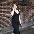 Tina Fey, enceinte de cinq mois, à la sortie du Late Show de David Letterman à New York, le 11 avril 2011.
