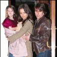 Tom Cruise en avril 2011 à New York, avec Katie Holmes et leur fille Suri Cruise