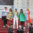 Les comédiennes de la série  Glee  tournent une scène à Times Square (New York), lundi 25 avril.