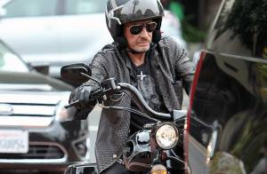 Johnny Hallyday : Le bikeur est de retour, face à la bienveillante Laeticia !