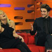 Robert Pattinson et Reese Witherspoon, entre fous rires et décolleté vertigineux