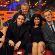 Graham Norton,  Reese Witherspoon, Robert Pattinson, Shappi Korsandi et Hugh Laurie lors de l'enregistrement de l'émission The Graham Norton Show à Londres le 3 mai 2011