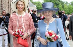La princesse Maxima et la reine Beatrix : deux boute-en-train chapeautées !