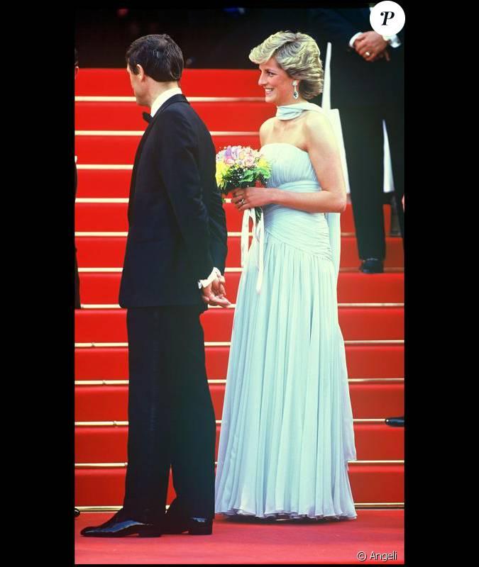 La robe que portait lady di pour le festival de cannes en for Code de robe de mariage de palais de justice