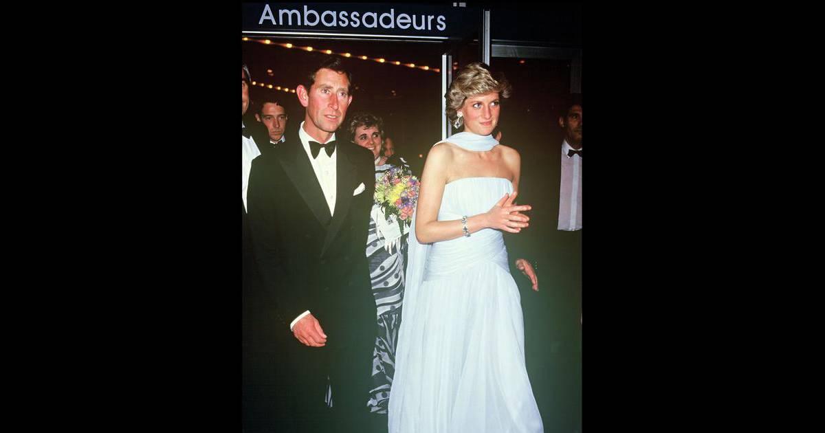 Lady di porte une magnifique robe en mousseline de soie for Code de robe de mariage de palais de justice