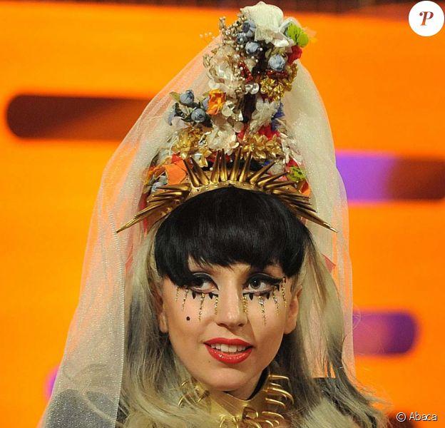 Lady Gaga est l'invitée du Graham Norton Show sur la BBC, émission enregistrée à Londres, le 12 mai 2011.
