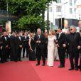 L'équipe du film lors de la présentation du film La Piel que Habito au festival de Cannes le 19 mai 2011