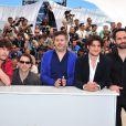 Paul Schneider, Christophe Honore, Louis Garrel et Rasha Bukvic lors du photocall du film Les Bien-aimés au festival de Cannes le 21 mai 2011