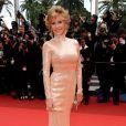 Jane Fonda met le tapis rouge de Cannes à ses pieds le 22 mai 2011