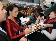 Les pirates Penélope Cruz et Johnny Depp avec leurs fans à travers le monde !